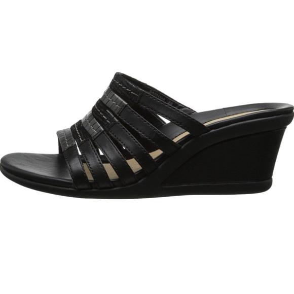 20f358b29a79 Earth Shoes | Gardenia Wedge Sandal | Poshmark